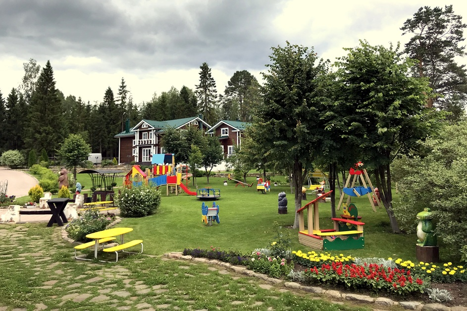 Коттедж Берег - Детская площадка на базе отдыха