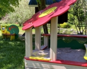Детская площадка на базе отдыха Резиденция Комела