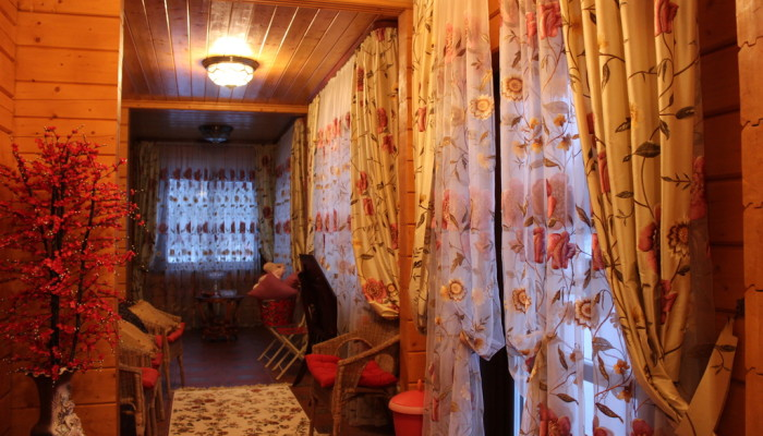 Резиденция Комела - Коричневый Дом